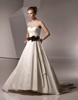 Svadobné šaty, čo sa mi páčia :) - Obrázok č. 107