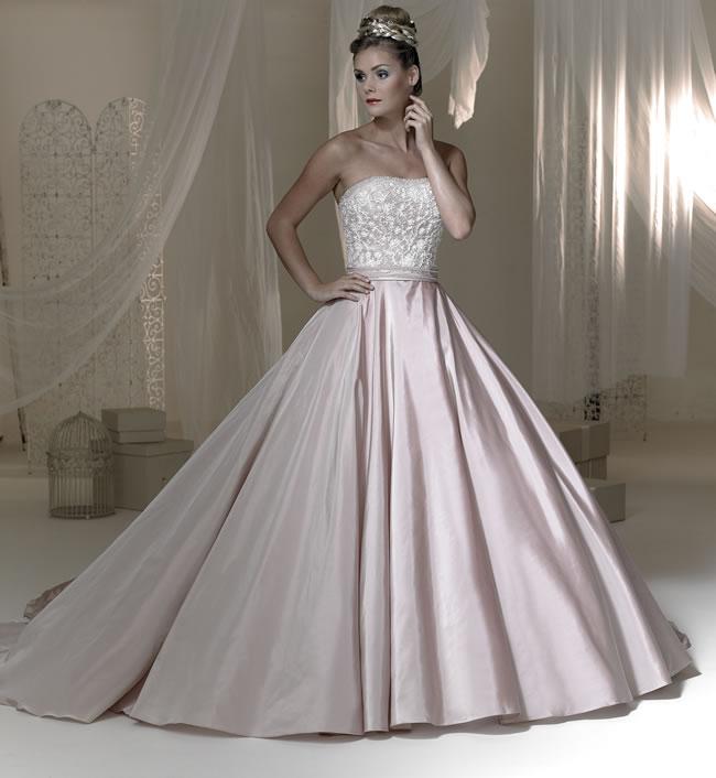 Svadobné šaty, čo sa mi páčia :) - Obrázok č. 273