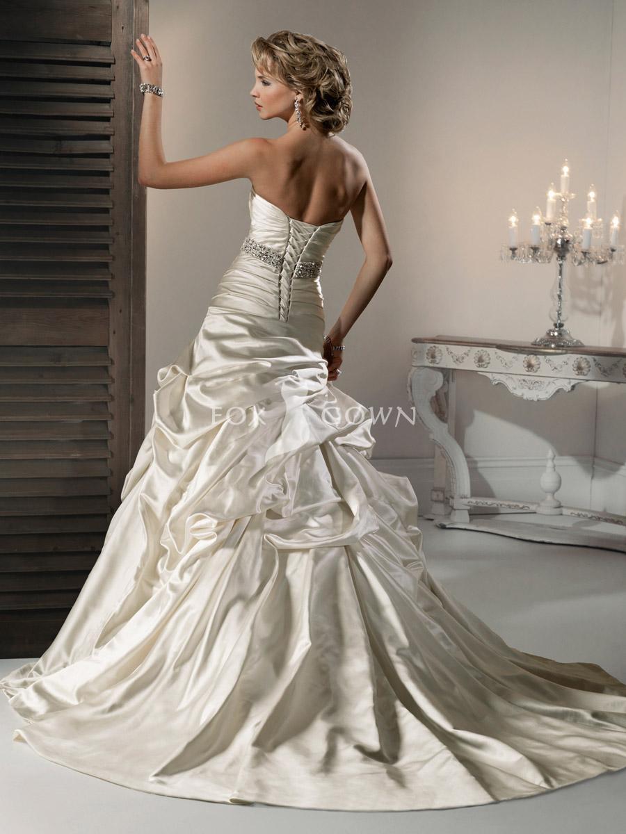 Svadobné šaty, čo sa mi páčia :) - Obrázok č. 381