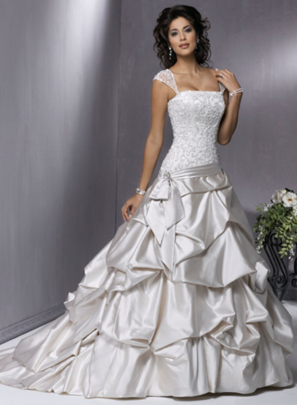 Svadobné šaty, čo sa mi páčia :) - Obrázok č. 382