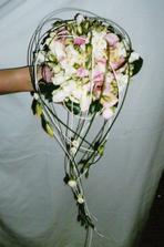 takový tvar bych ráda jen v jiné kombinaci květin