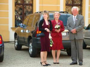 svědkyně a maminka ženicha a děda nevěsty