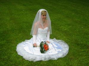 hezky usazená nevěsta