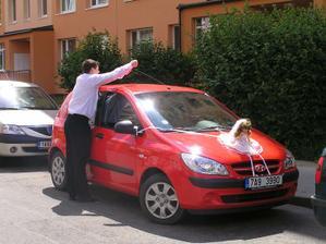Zdobení auta nevěsty