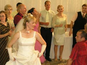 ..a bola svadba veselá