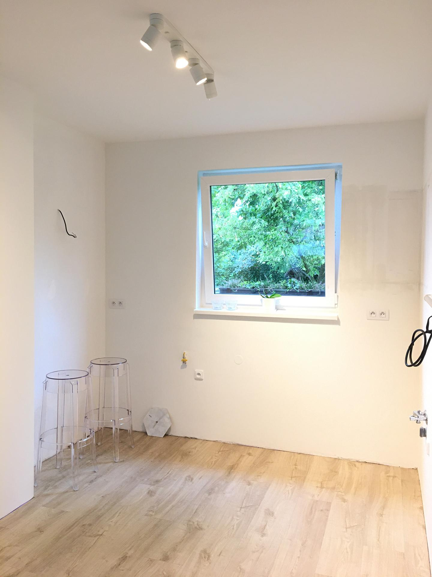 Proměny naší kuchyně - Stejná podlaha jako v obývacím pokoji