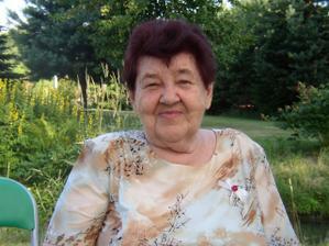 vyvdaná babička