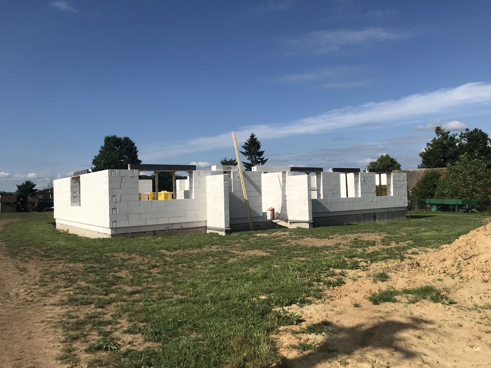 ❤️ stavba povolena ❤️ - 24.6.2019 vylite překlady nad oknama 😊