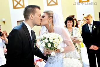 ...spečatené prvým manželským božtekom ;-)