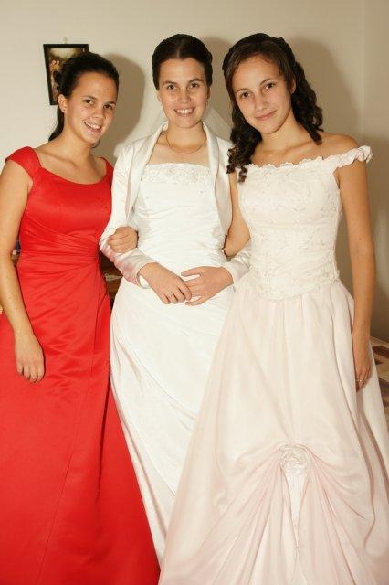 Martina Schlosserová{{_AND_}}Peter Palko - sestry nevesty :) Veronika a Vladka