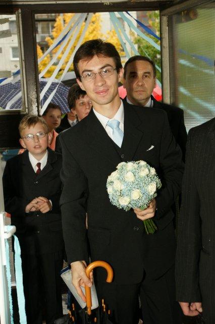 Martina Schlosserová{{_AND_}}Peter Palko - príchod ženícha s rodinou