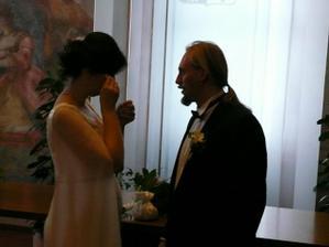 úprava nevěsty po obřadu