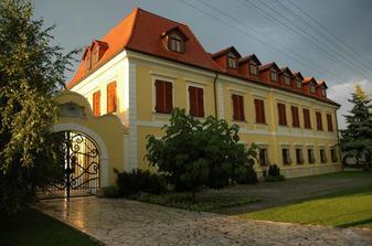 Miesto konania hostiny - castel :-)