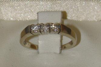 Zásnubný prstienok pre moju drahú.. (ALO Diamonds)