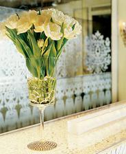 a takéto tulipány budú na stole, už aj také vázičky máme