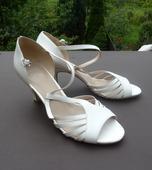 Kožené svatební botky Baťa Insolia, 39