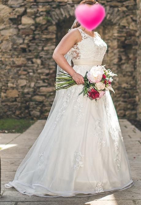 Svatební šaty vč. kruhové spodničky - Obrázek č. 1