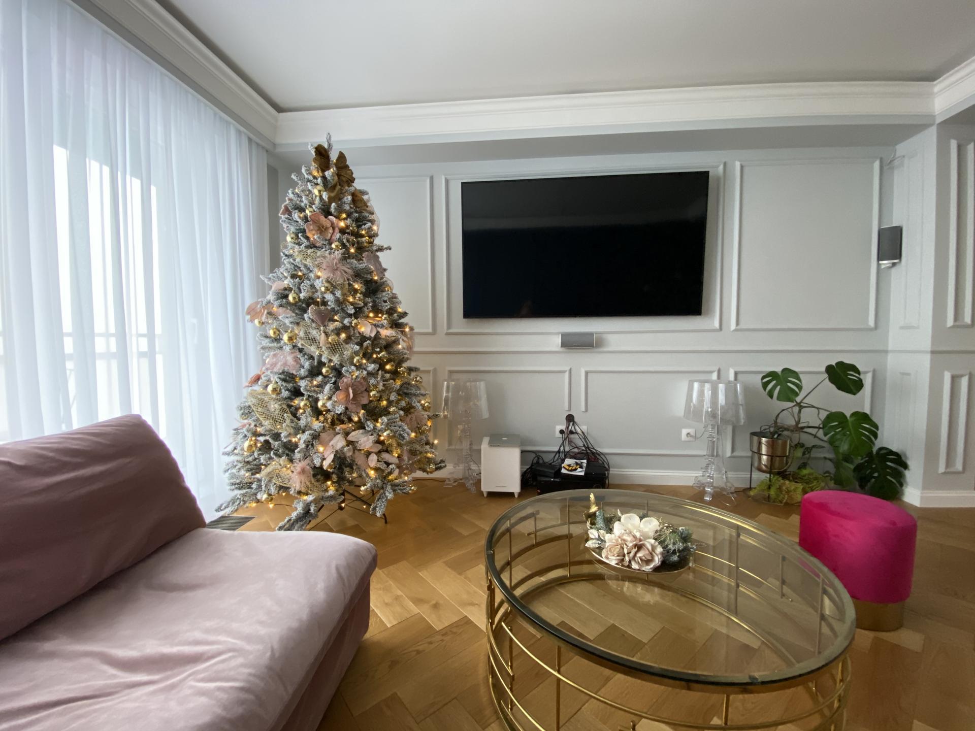 Heslo: Extravagancia & Luxus ❤️ - Skrinka pod televízorom je už vo výrobe❤️Bude skvostná...