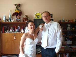 ... bratranec a ja, som zvedavá kedy pôjdeme na jeho svadbu :°) ...