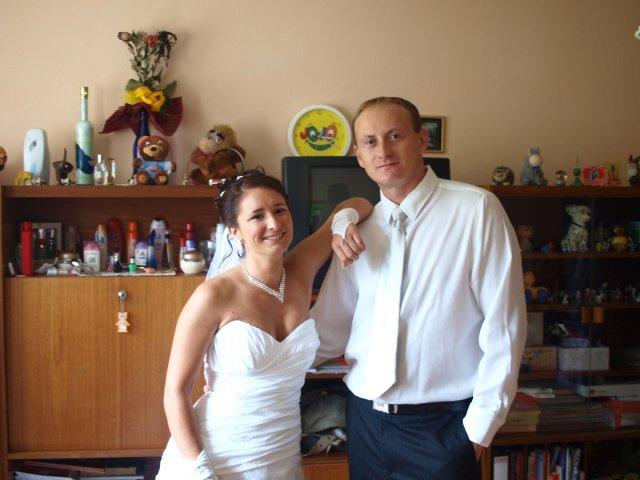 Hedviga Tomová{{_AND_}}Róbert Kajsík - ... bratranec a ja, som zvedavá kedy pôjdeme na jeho svadbu :°) ...