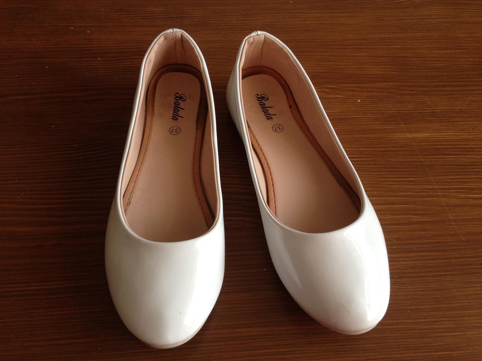 Bílé baleríny vel.37 - Obrázek č. 1