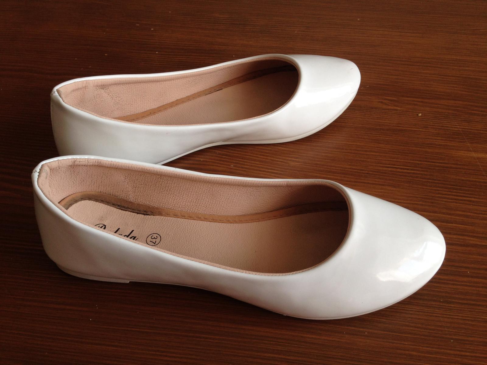 Bílé baleríny vel.37 - Obrázek č. 2