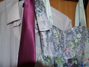 Naše oblečení, uvidíme, jestli seženem ještě jinou kravatu :)