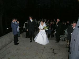 Prichod do hotela Zornicka v Modre-Harmonii