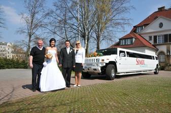 Moc příjemný pan řidič limušky s manželkou