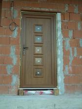 vchodove dvere..