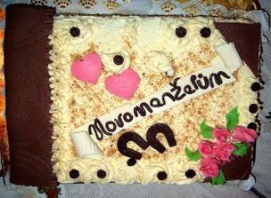 nechtěli jsme žádný svatební dort, ale maminka byla aktivní:-)