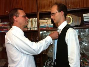 ... kravata ...