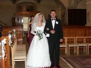 K oltáru ... so strýčkom :)