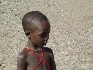 pár z našich svatebních darů: sponzoring černouška v Keni