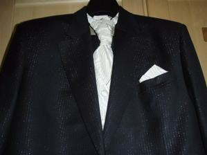 3 dny před svatbou konečně vidím hotový ušitý ženichův oblek:-)