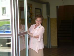 Babička jako vrátná :))