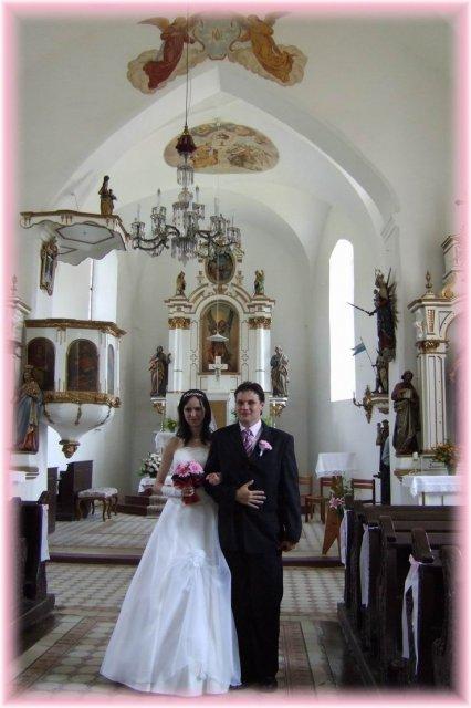 Janička Králová{{_AND_}}Vašík Hruška - v kostele