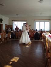 """první novomanželský tanec (první verze, pak následovalo ještě několik """"prvních"""" tanců)"""