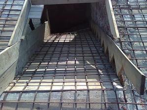 zaarmované (schody na poschodie) pohľad zhora