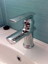 umývadlová batéria v sprch. kúte