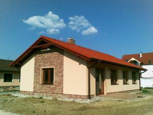 Alebo s červenou strechou, domčeky zo Slovenského Grobu