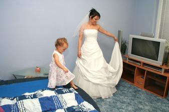 družička nácvik na nevěstu