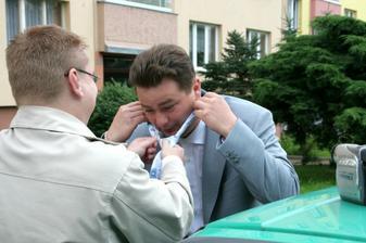 sos vázání kravaty