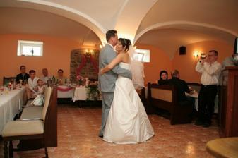 první novomanželský taneček:)