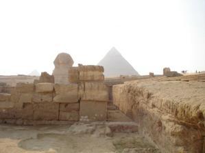 sfinga s pyramidou