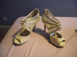 Oldest daughters bridesmaid shoes