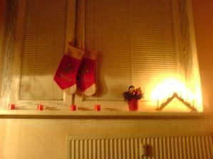 Moje prvé vianoce s krásnym novým snehobielym oknom vypranom v Persile :D