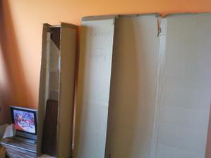 otváram krabice jak na vánoce juchúúúú :-) tešila som sa jak malý somár na veľkú kopu sena :-D