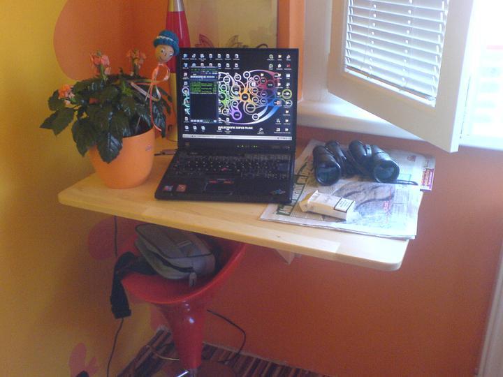 Komody do izby a dalšie vecičky - rozložený stolík :-)