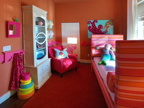 Jeblinkyne inšpirácie - tie farebne krabice su top :-) celá je krásna,utulne syte farby :-)